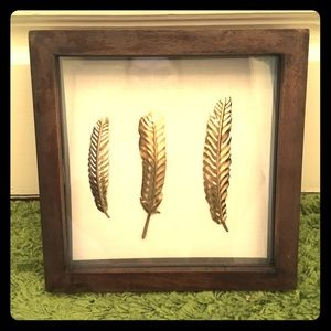 Feathers wall decor